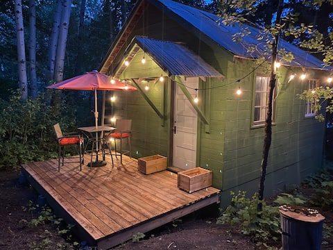 Cozy Bunkhouse Cabin