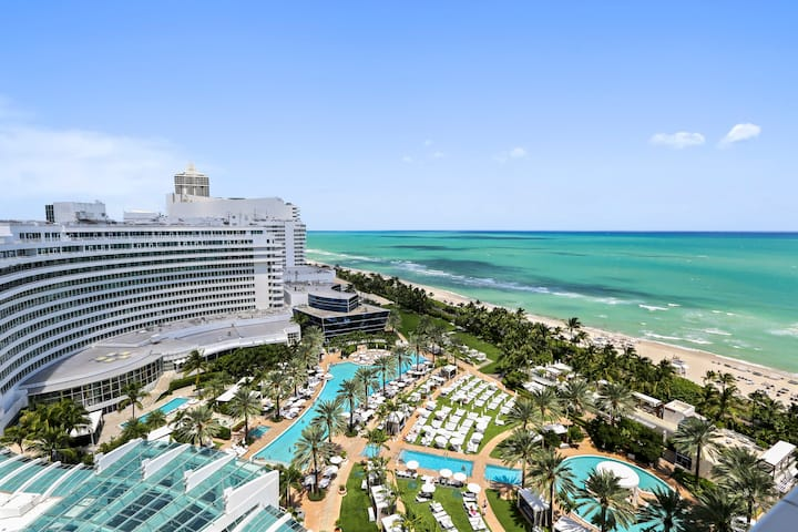 Fontainebleau Oceanview Sorrento JR suite