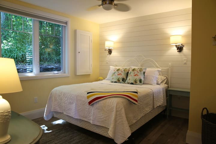 Guest Bedroom with Queen Size Bed & Water View