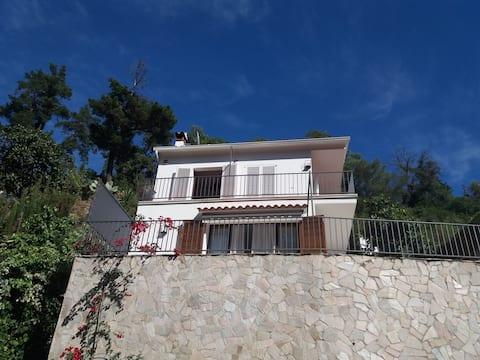 Maison familiale entre terre et mer à Rosamar