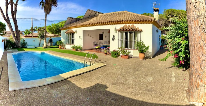 Beautiful Villa: La Barrosa, private Swimming Pool