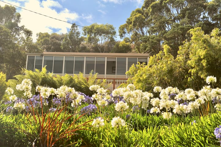 Adventure Bay Holiday House with Magnificent Views