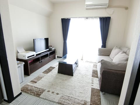 【Entire Home】Renovated House【Free parking & WiFi】