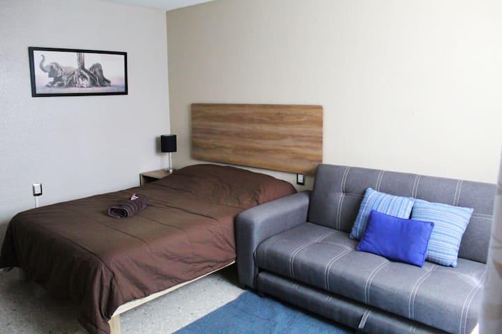 Blue Oak / Habitacion céntrica y cómoda