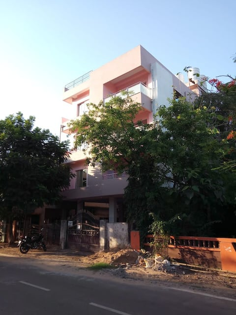 Bhubaneswar Rooms Centrally Located F2