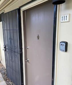 Wide front door and easy access to the keys via the lockbox beside the door.