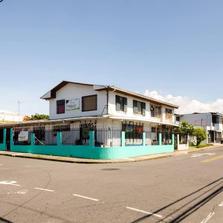 Quiet Hostel in San Pedro Near UCR
