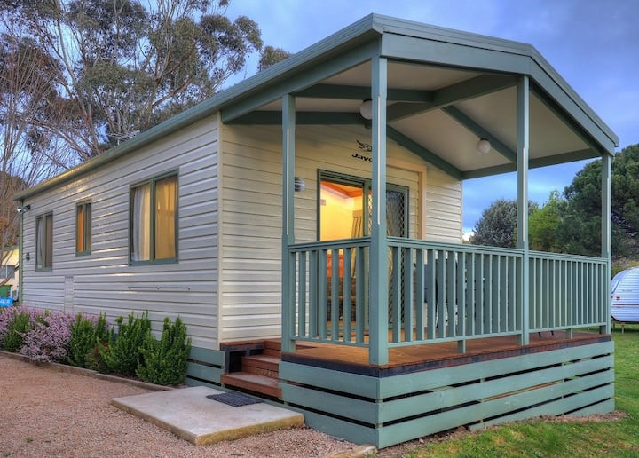 Lakeview Villa two bedroom cabin with own ensuite