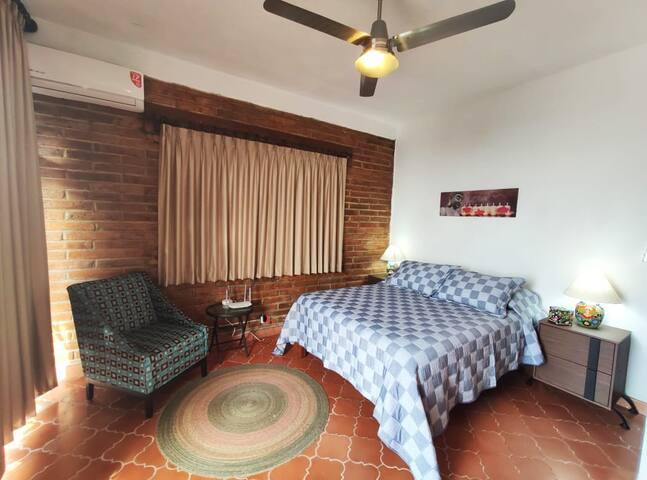 Bedroom / Recamara