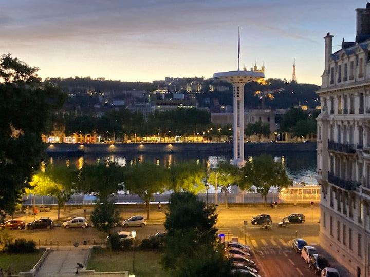 Beau T2 centre ville, vue sur Rhône!