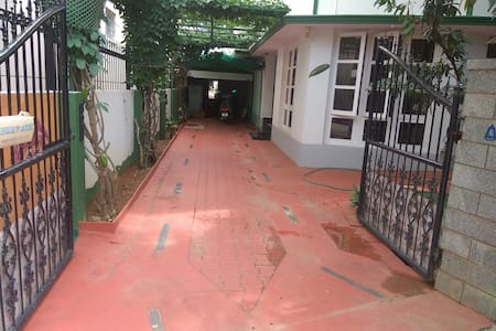 Entrance is wide enough for a sedan to enter up to the doors of villa