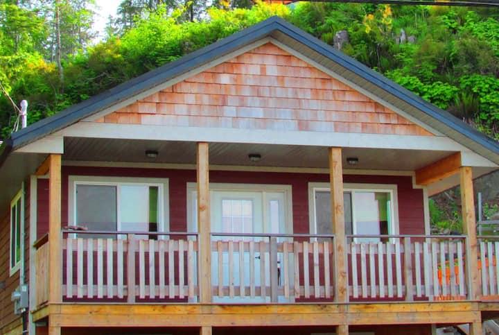 Haida Gwaii Raven Cottage