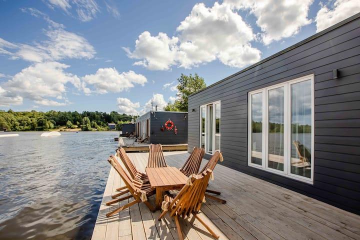 Коттедж на воде (Финский домик)