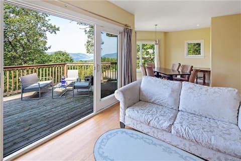 Hudson Riverview Mountaintop Guest House