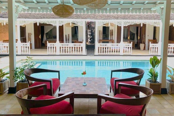 Villa Rosa Sanur pool 5 mins walk to beach
