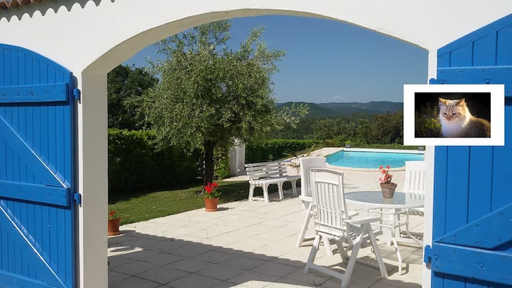 Logement au calme en Ardèche avec piscine