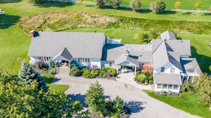 Creemore Country Estate with Pool/Tennis