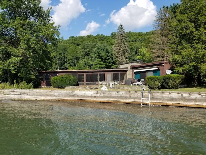 Lakefront Cottage - Skaneateles Lake