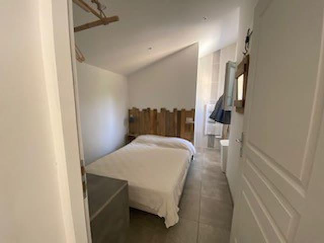 chambre 3 avec salle d'eau privative