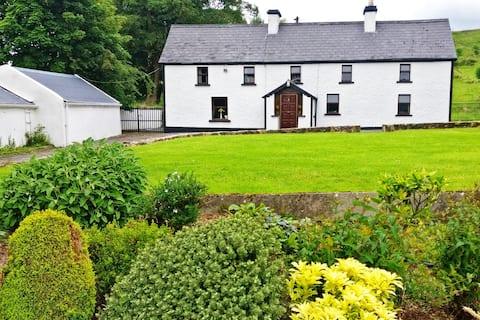Arrow View  House .