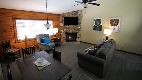 My Friends Cabin - Luxury cabins WI Dells 2 Br 2Ba