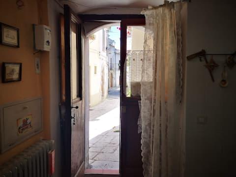 """Chez Annina"" bilocale Acerenza- centro storico"