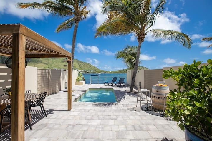 Villa JADE 2 : Suite, piscine, pieds dans l'eau