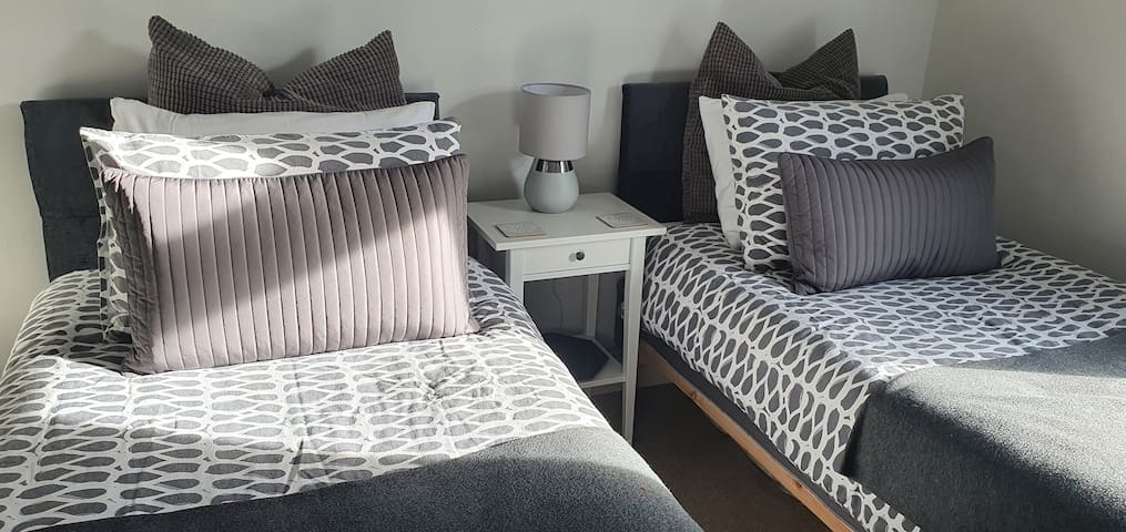 Just 1 of the options - set up as a twin however, these are zip & link beds so are easily bolted together to provide a huge 6ft wide bed for couples