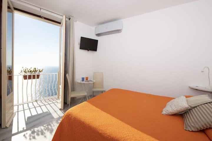 DonnaGiulia-camera matrimoniale balcone vista mare
