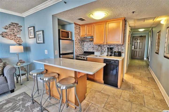 Bright and Beautiful Myrtle Beach Ocean View Condo