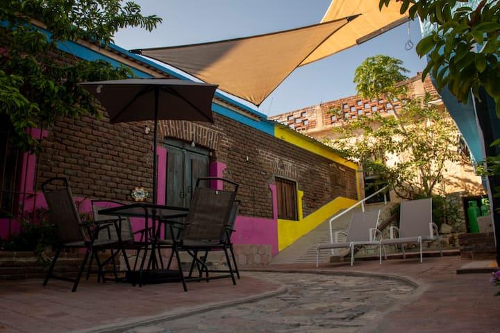 Downtown Studio Galeron in hotel Casa Ceci SJDCabo