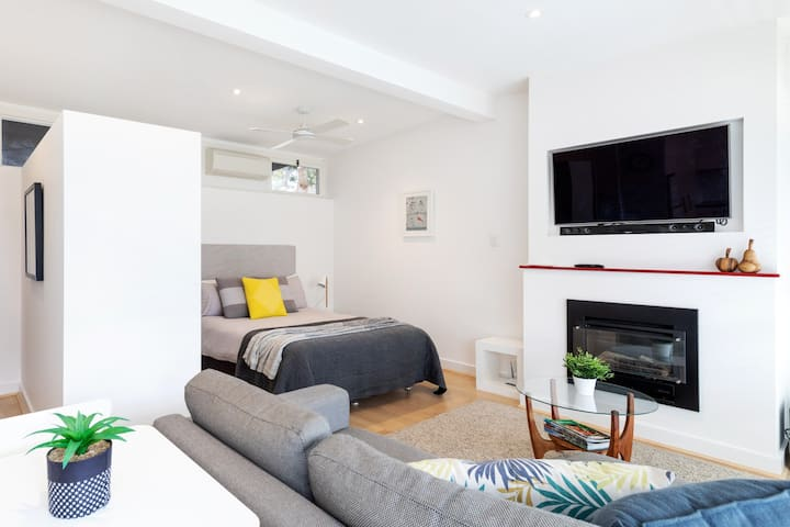 Modern Self-contained Studio Apartment