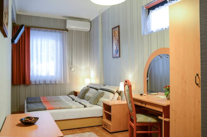 Welcome Guesthouse - twin room with garden view