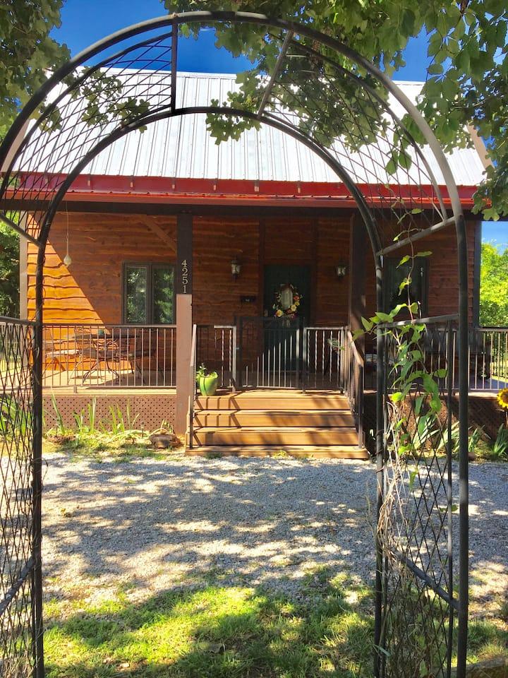 Cabin on 35 Acres near the University of Oklahoma