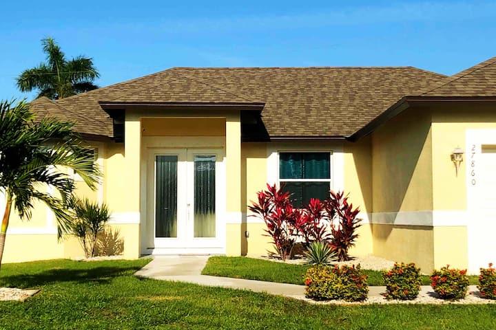 Bonita Beach Villa - close to beaches, new built
