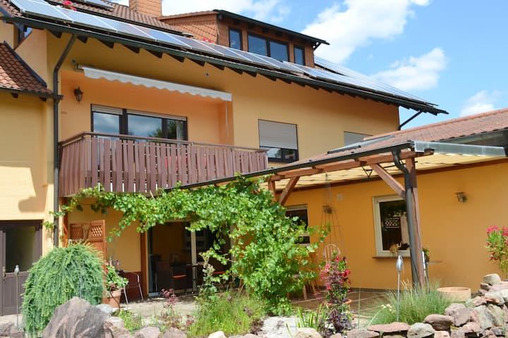 Haus Emil unter der Burg,  Fewo mit 3 Schlafzimmer