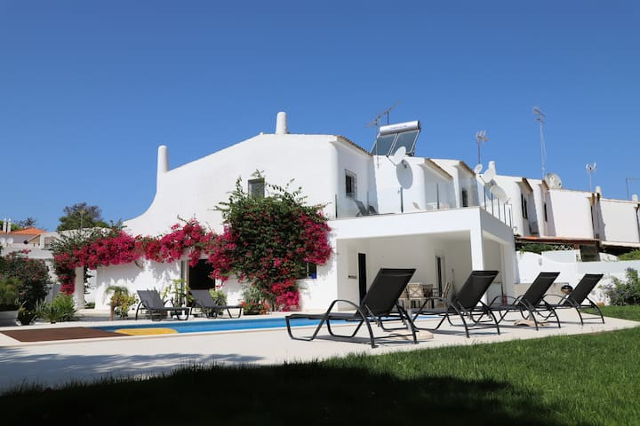 3 Bed Villa in Vale do Lobo with private Pool