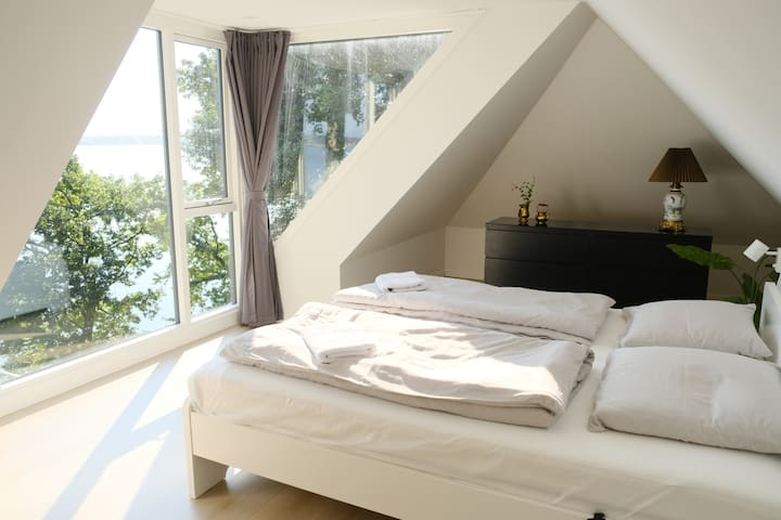 Master Bedroom 1 - This room also has a childbed