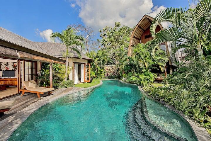 Seminyak beach side  secluded private pool oasis