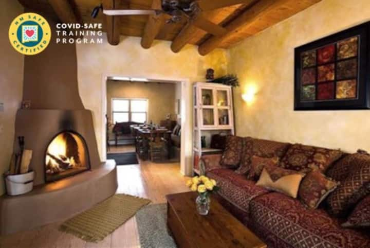 Gorgeous Historic Adobe. Walk to plaza. week/month