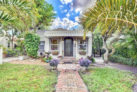 Charming Beach House with Pool! Great location!