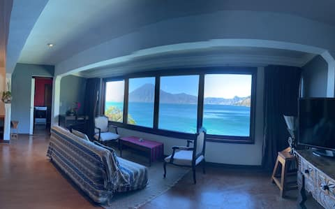 Lakefront Apartment,  Unlimited Sunsets, WIFI