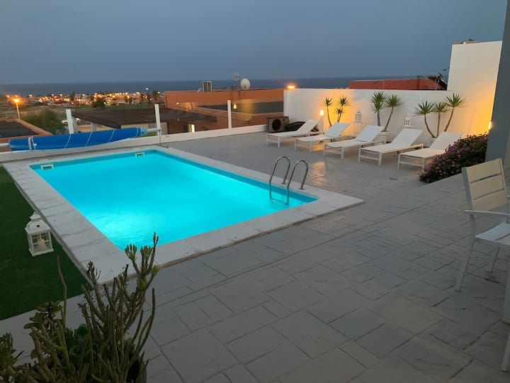 """VILLA GOLF"" WITH SEA VIEWS ,PRIVATE -HEATED POOL."