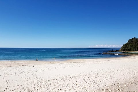 CHILL-OUT BEACHSIDE @ FORSTER * main beach