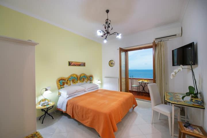 House Anna in the heart of the Amalfi Coast