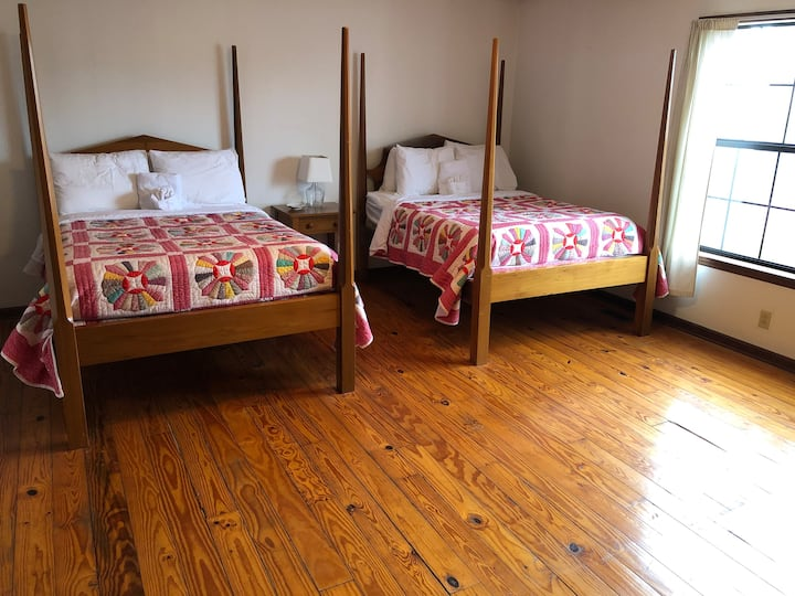 Country Inn Steeped in History/Hachland-Poplar #1