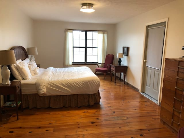 Country Inn Steeped in History/Hachland-Poplar #2