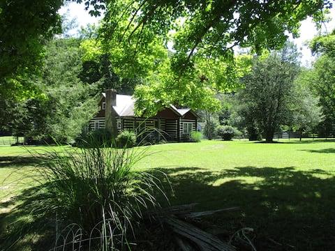Cabin for 2 by river-Pipestem/zipline/ATV trails