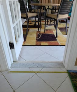 Entry to Florida room