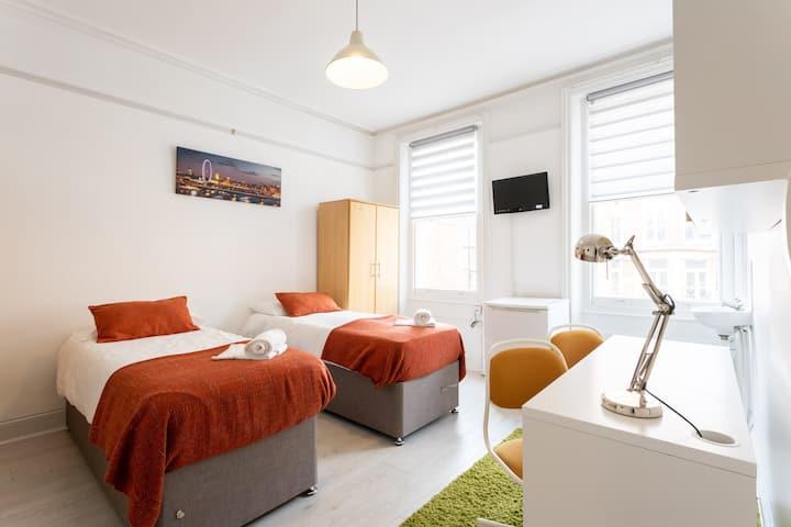 Charming Twin/Double Bedroom in Kensington 201